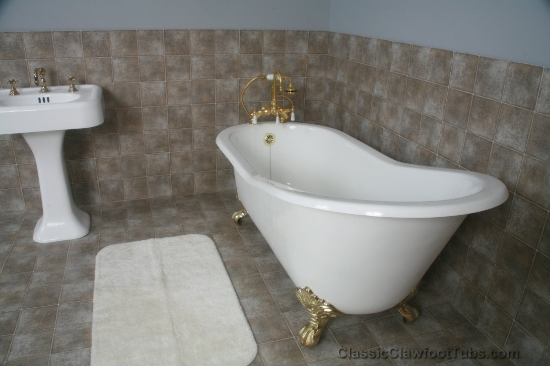 "Pictures Of Clawfoot Bathtubs: 67"" Cast Iron Slipper Clawfoot Tub"